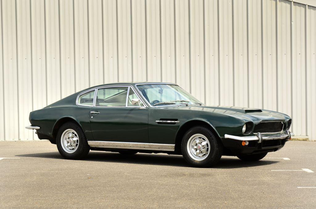 Aston Martin DBS V8 1974
