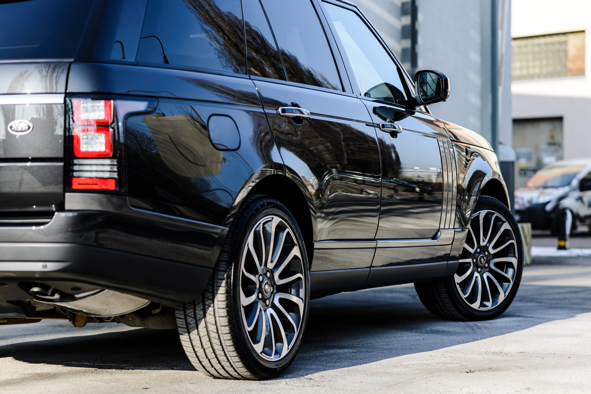 Black Range Rover Vogue